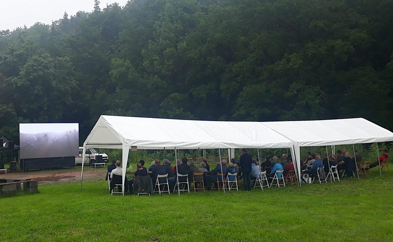 """Open-Air-Aufführung """"Zustand und Gelände"""", 17.07.21, Sachsenburg (Foto: sLAG)"""